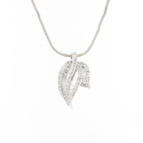 1.30ctw Diamonds Leaf Pendant Front