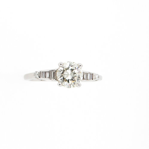 1.24 ctw Round Diamond Engagement Ring