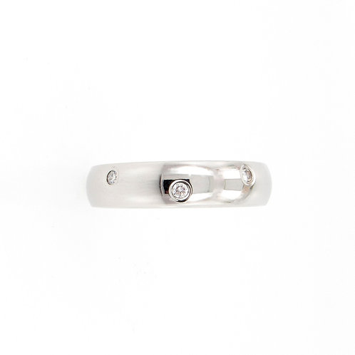 0.32ctw Round Diamonds Alternating Levels Eternity Ring
