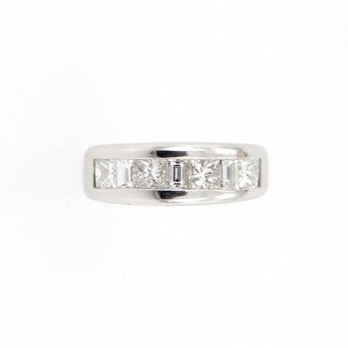 1.43ctw Princess Cut and Baguette Cut Diamonds Ring Front