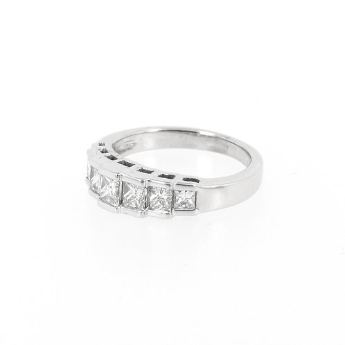 0.94ctw Princess Cut Diamonds Steps Ring Turned