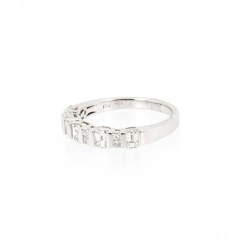 0.93ctw Emerald Cut and Princess Cut Diamonds Ring Turned