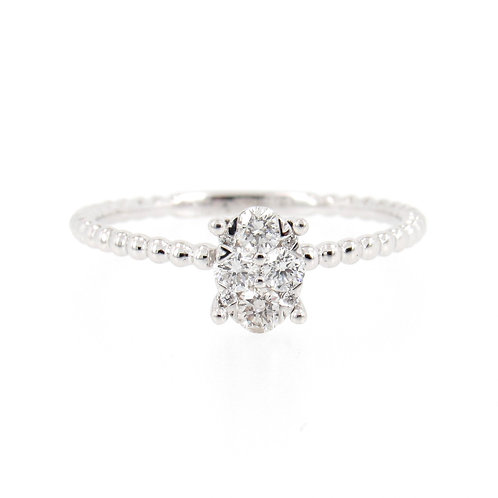 0.27 ctw Diamond Oval Shape Cluster Ring Front