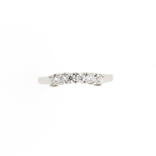 0.32ctw 5 Diamonds Curved Anniversary Ring