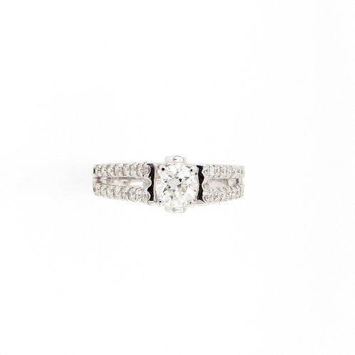 1.30 ctw Round Diamonds Split Band Engagement Ring Front