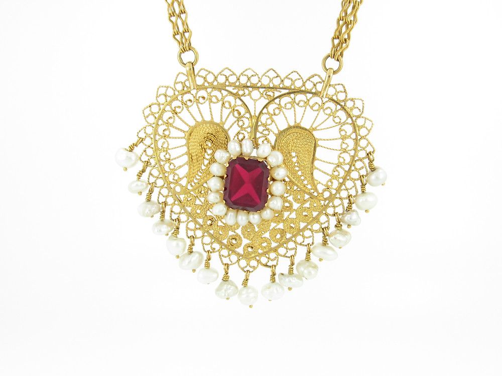 Gold heart necklace with garnet and pearls