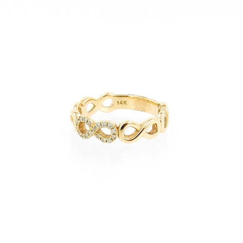 0.09ctw Round Diamonds Infinity Ring Side