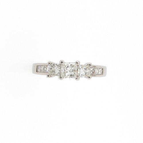 0.75ctw Princess Cut Diamonds Engagement Ring Front