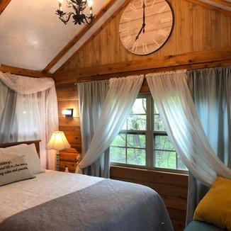 Serenity Creek Treehouse