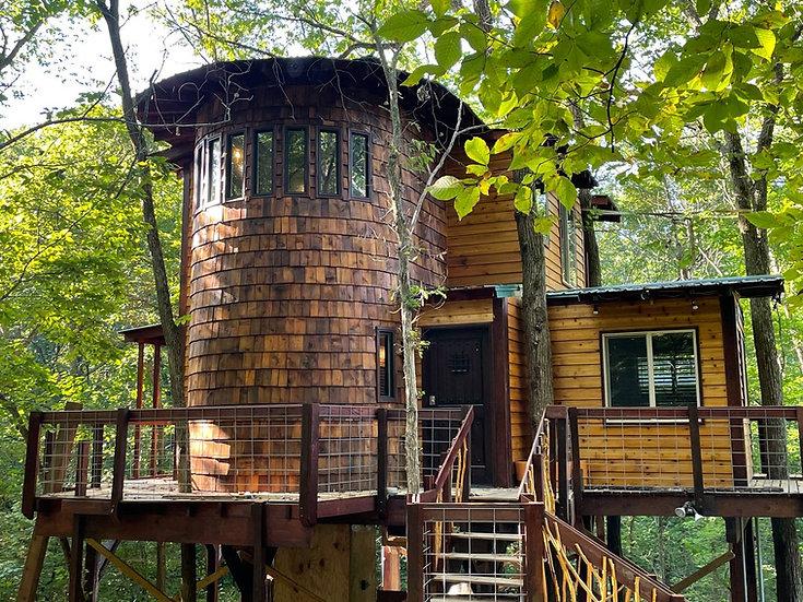 Whispering Elm Treehouse