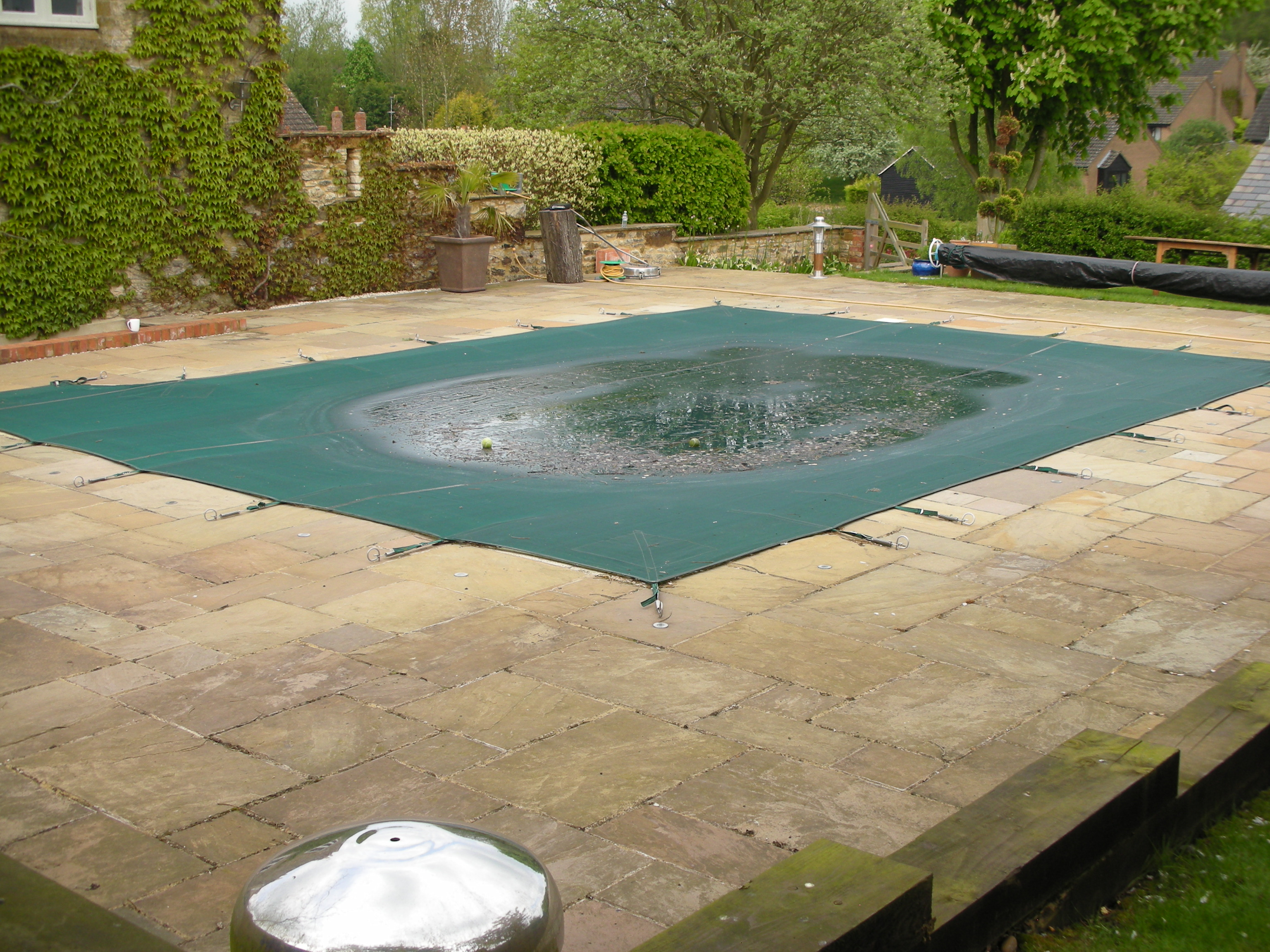 Jet Washing - Pool pre-clean.JPG