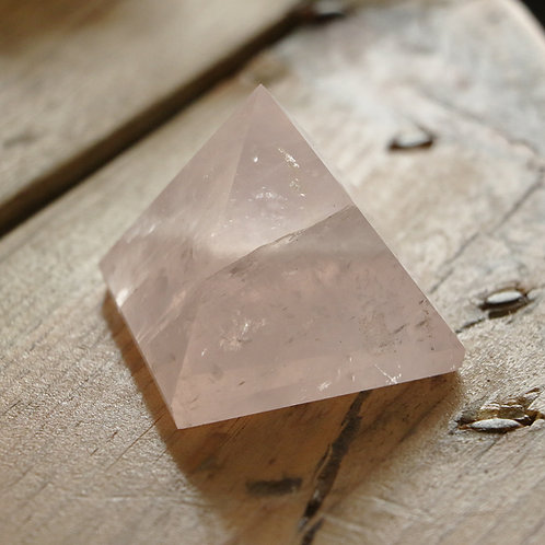 Pirâmide Quartzo Rosa