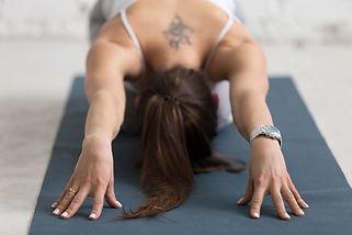 yoga_détente_balasana_bras_devant.jpg