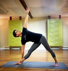 Nicole Talbot yoga Mouvance