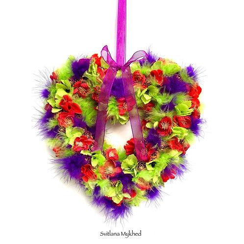 Couronne florale en forme d'un coeur deco fleurs Plumes Naturelles Vert VIolet cadeau haute gamme mariage fête  anniversaire