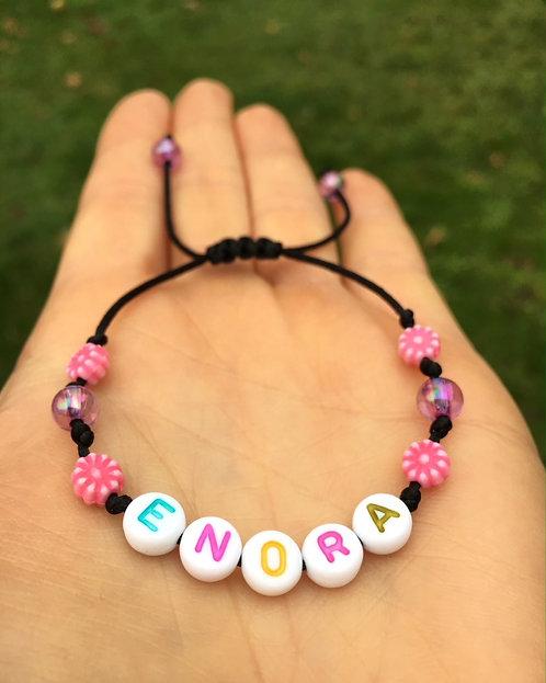 Bracelet personnalisé ENORA avec prénoms nom message  création sur mesure