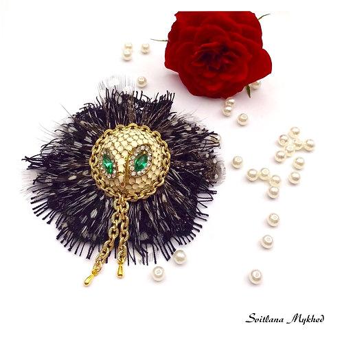 Broche luxe Chouette Hibou métal émail incrusté strass haute gamme bijoux fantaisie artisanaux