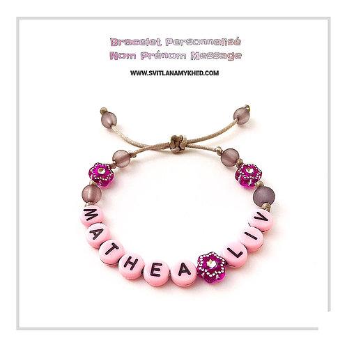 Bracelet personnalisé avec prénoms MATHEA LIV création sur mesure