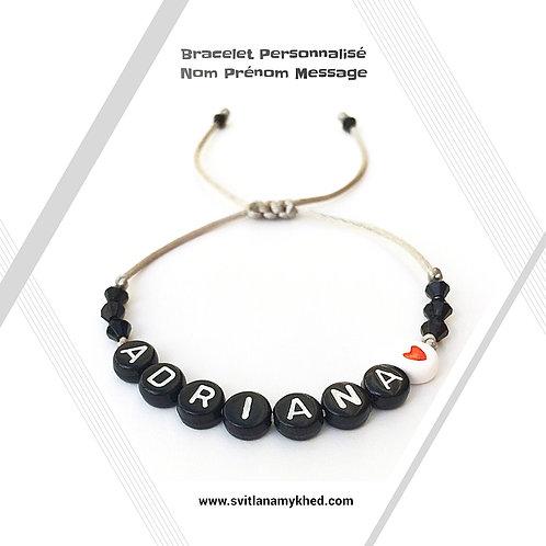 Bracelet personnalisé avec Prénom Adriana création sur mesure
