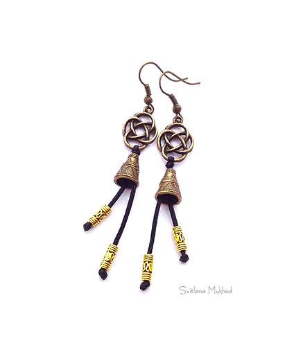 Longues Boucles d'oreilles fantaisies style ethnique CLOCHE TIBÉTAINE. TIBET. MÉDITATION. ZEN metal bronze et doré