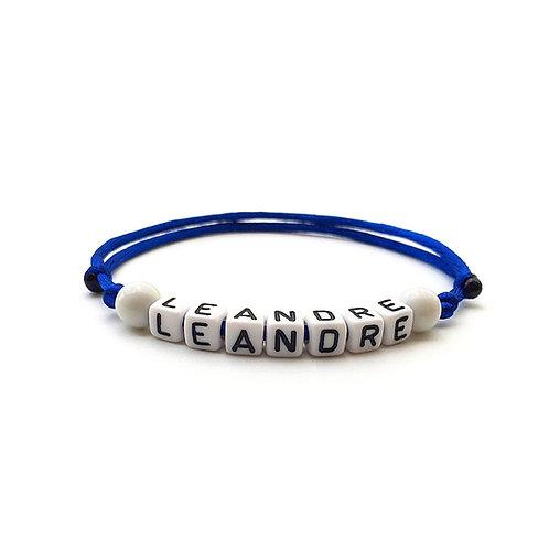 bracelet initiale LEANDRE personnalisable avec nom prénom message lettre perle Alphabet cube carré  sur mesure