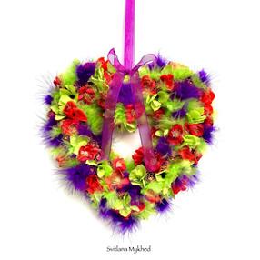 Couronne Florale en forme d'un coeur PLUMES
