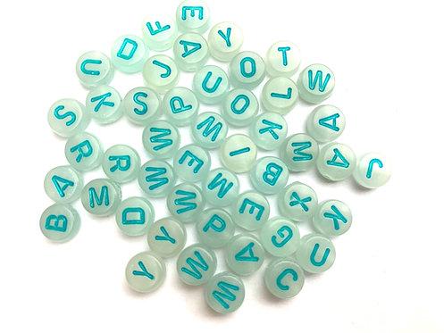 Perle lettre acrylique ronde 7mm. Fluorescent Blanc / Bleu  l'Alphabet Latin A - Z à l'unité