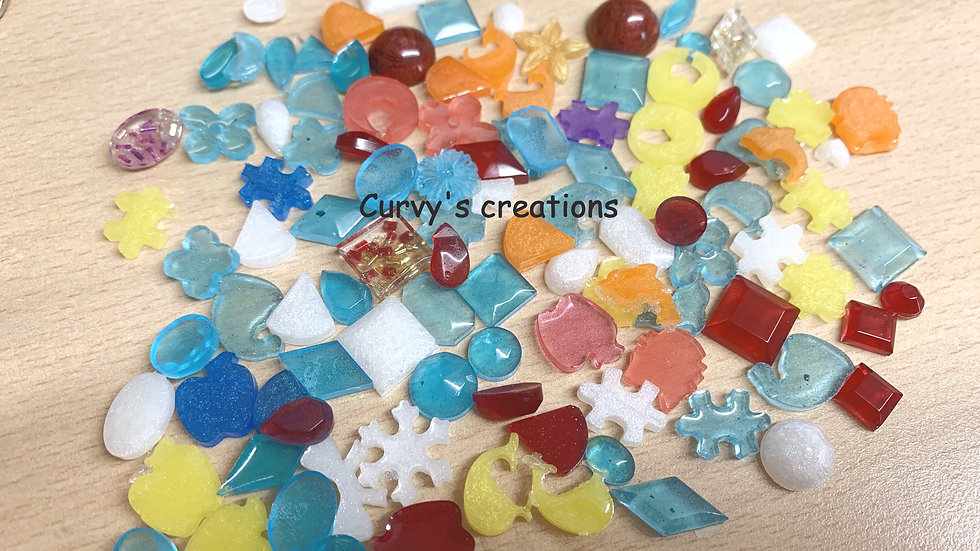 Mini flat back Shape charms