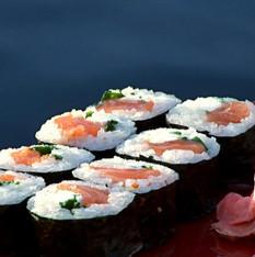 baz-bar-sushi-menu-JapBagelRoll-768x432.jpeg