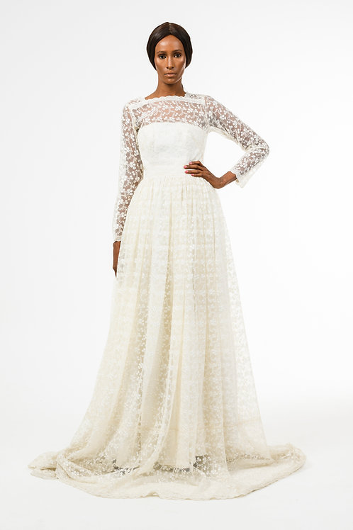 Ivory white embroidered floral lace long-sleeve wedding dress