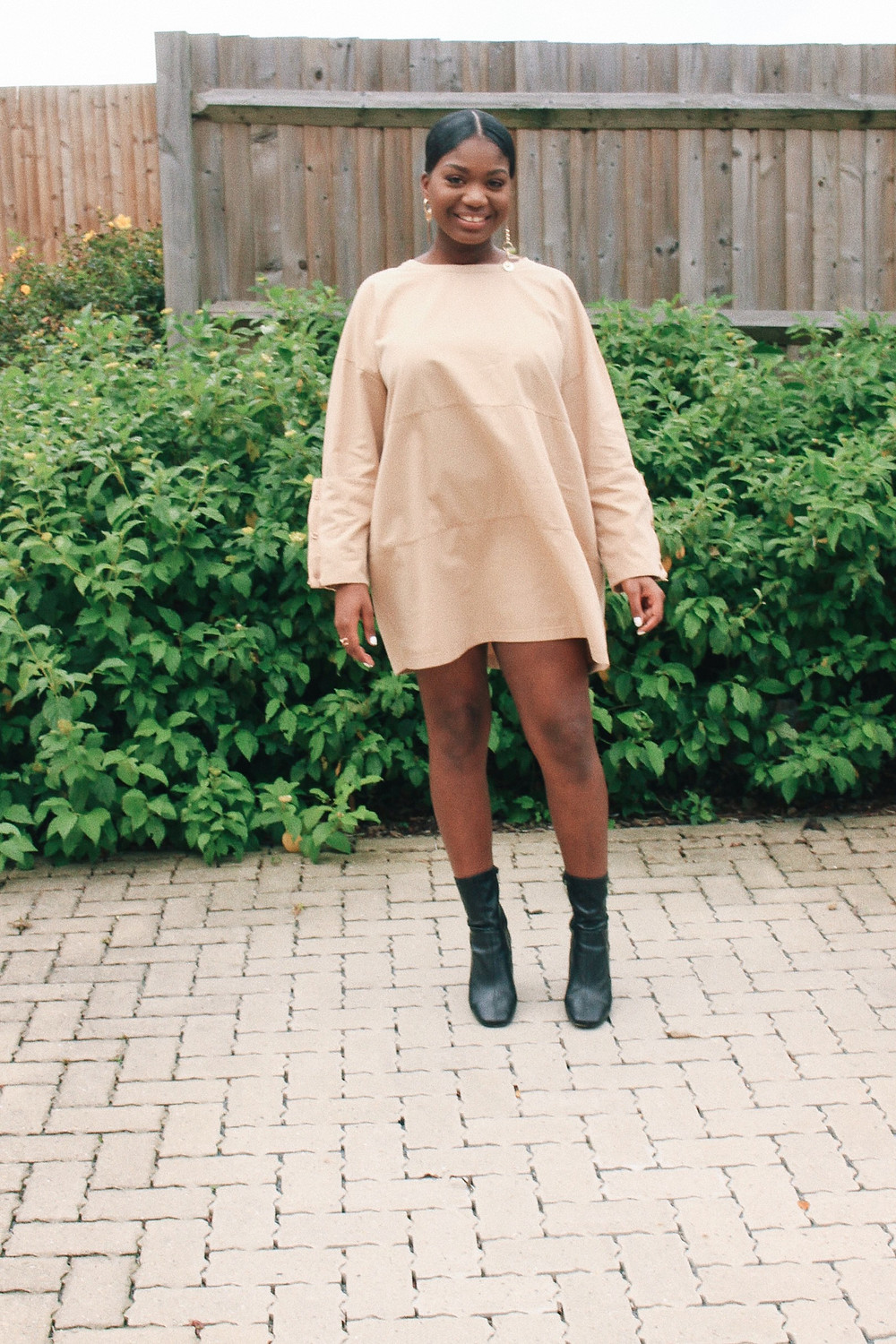 beige oversized zara dress