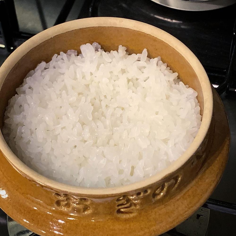 峠の釜めしおぎのやの釜でご飯を炊く