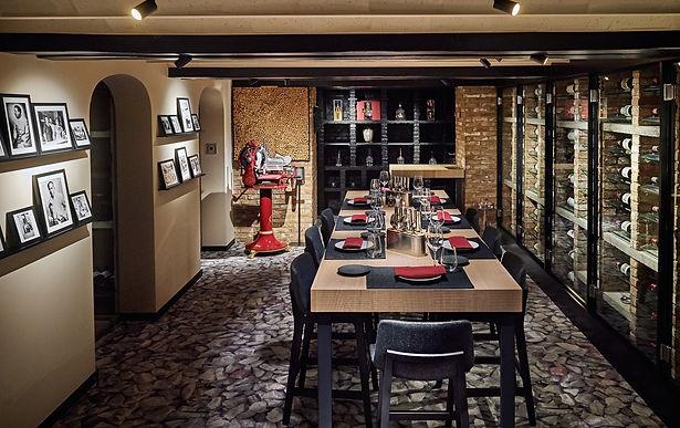 Comme chez Soi étoilé gault millau restaurant bruxelles agence communication marketing graphisme merchandising Riwyne vins concept