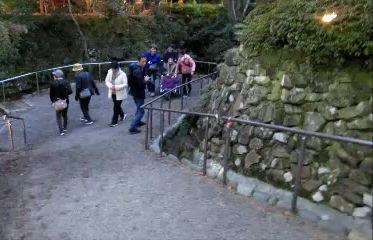 松雲山荘で車いすアクロ(AQURO)を利用して介助サポート