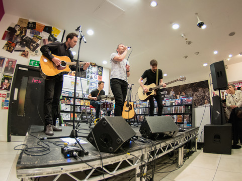 The Slow Readers Club - HMV, Manchester 08.05.2018