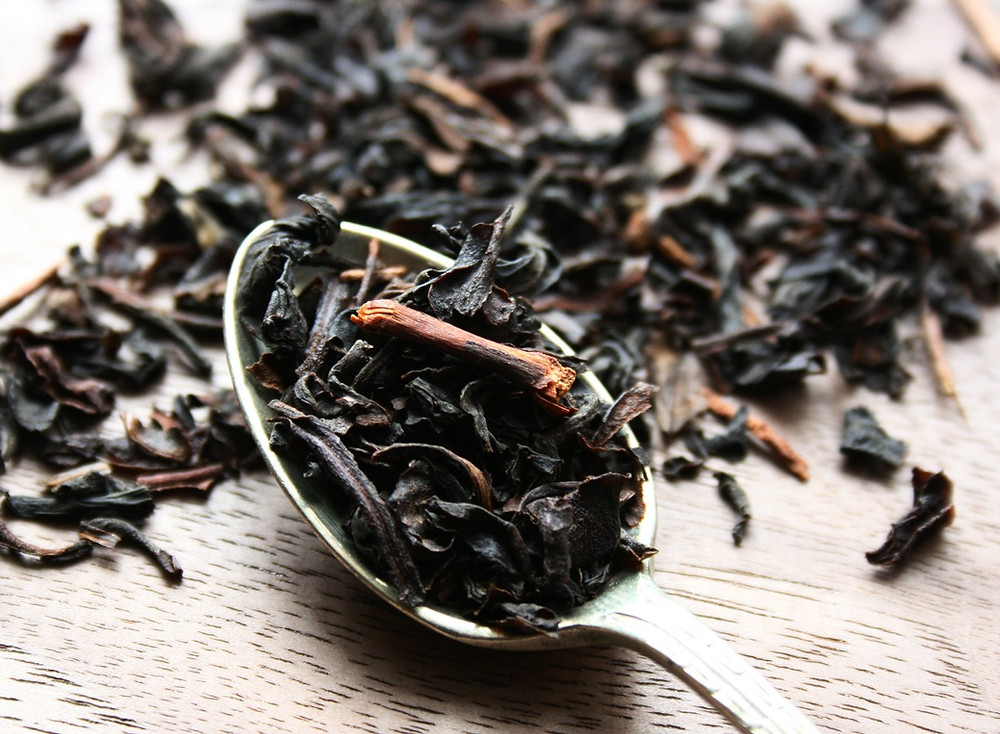 Lapsang Souchong and Formosa Oolong blended together