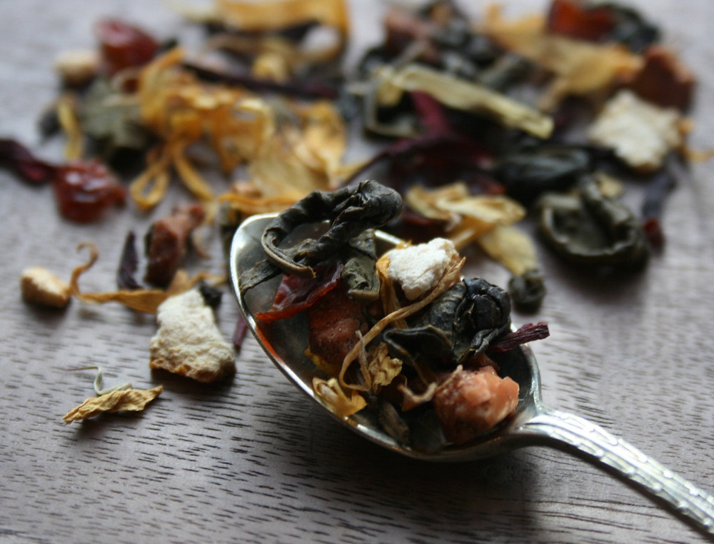 chinese green tea, orange peel, hibiscus, rosehip