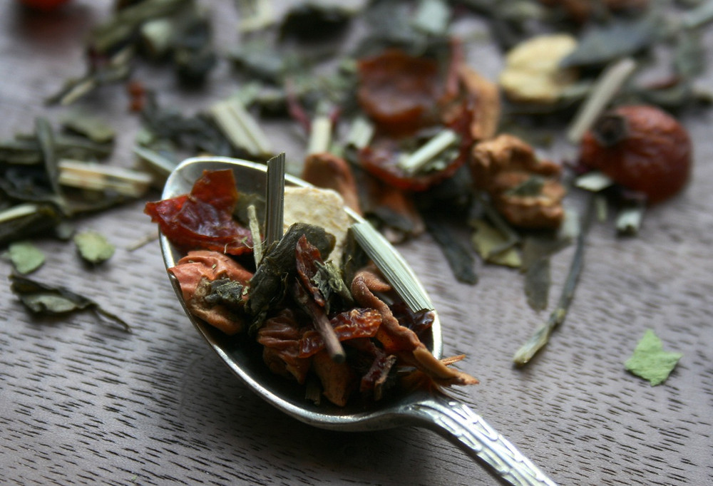 lime leaves, orange peel, lemongrass, chinese sencha green tea, hibiscus, rosehip