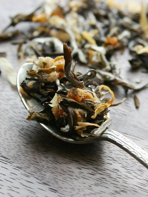 light delicate White apriot cream loose leaf tea