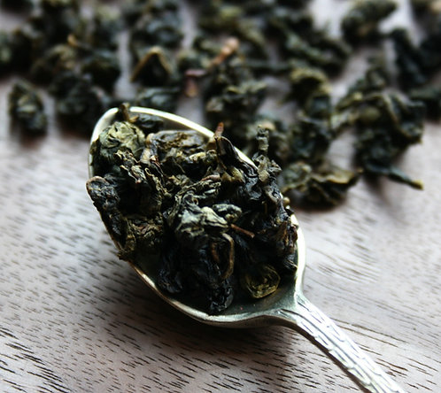 Creamy vanilla milky oolong loose leaft tea blend