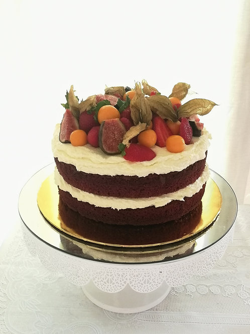 Red Velvet with Cream Cheese and seasonal fruits.