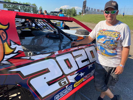 Gronwold Remains Top Dog in Midwest Modifieds