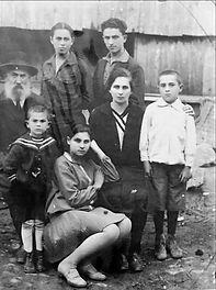 מושינסקי 1929 אסתר דב טובה לאה יוסף שלמה.jpg
