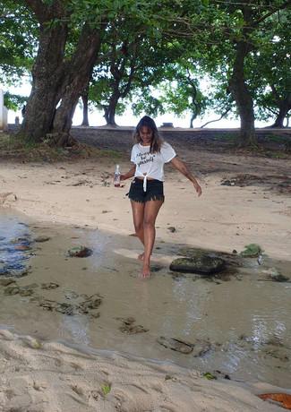 Bavisha enjoying the beach