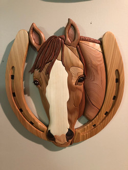 Intarsia Horse Shoe
