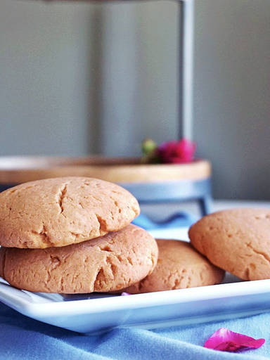 Cardamom Rose Whole Wheat Joni cookies