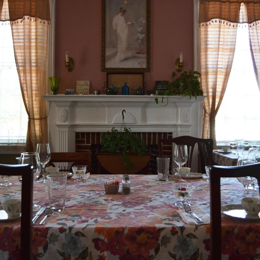 Flanagan House Dining Room1