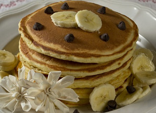 Two Ingredient Healthy Banana Pancakes!  (Gluten and Dairy Free)