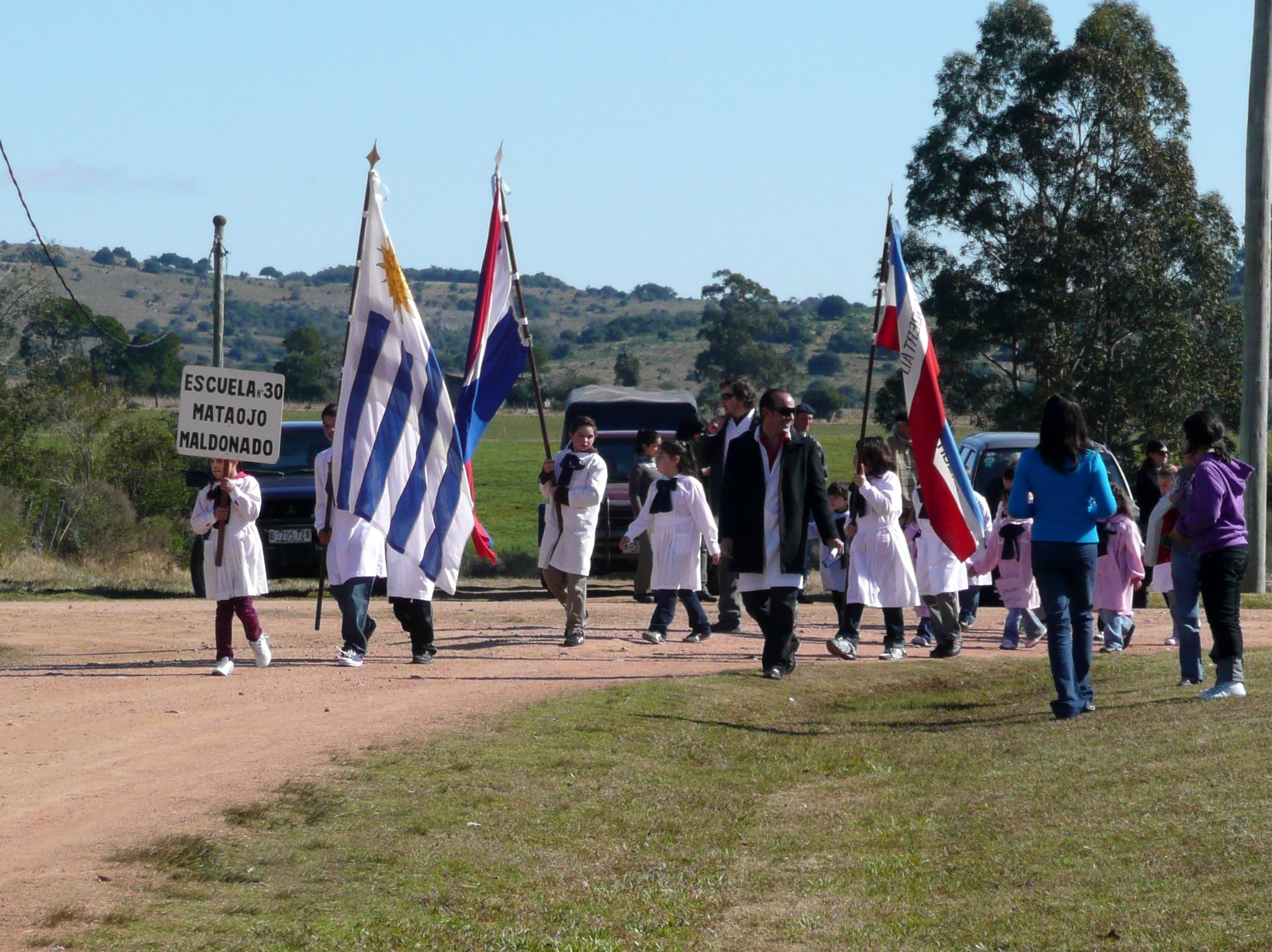 desfile alumnos escuela