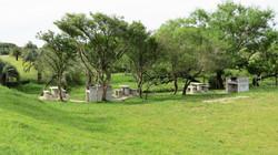 area picnic a la entrada del pueblo